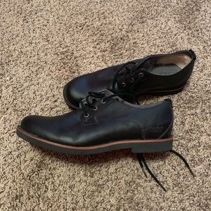 Men's Ugg wool lined oxfords size 9.5